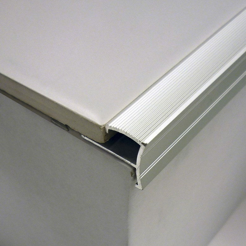 nez de marche aluminium brut leroy merlin. Black Bedroom Furniture Sets. Home Design Ideas