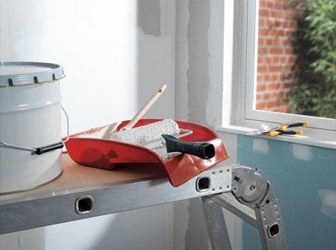 12 bons gestes pour r ussir son coup de peinture leroy merlin. Black Bedroom Furniture Sets. Home Design Ideas