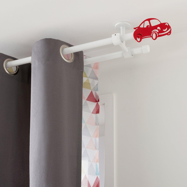 un kit de tringle rideau extensible couleur argent. Black Bedroom Furniture Sets. Home Design Ideas