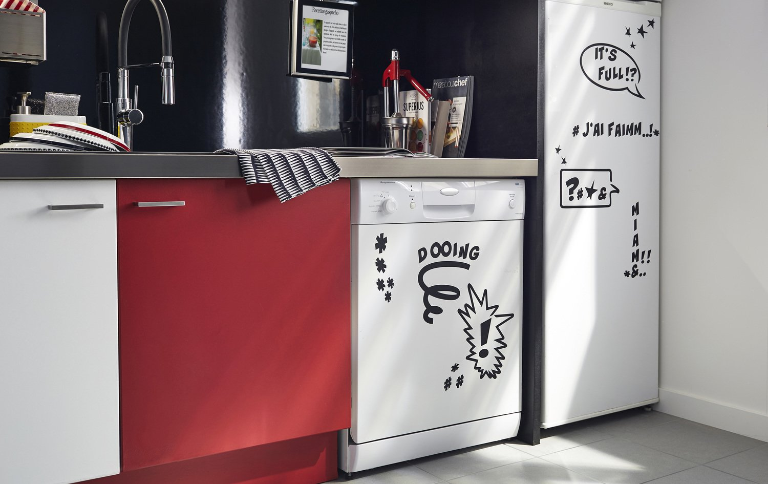 d corer les meubles de cuisine avec des stickers originaux leroy merlin. Black Bedroom Furniture Sets. Home Design Ideas