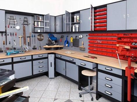 14 conseils pour am nager un atelier de bricolage leroy merlin. Black Bedroom Furniture Sets. Home Design Ideas