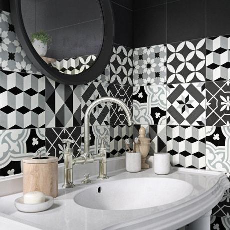 Des carreaux de ciment pour une salle de bains unique