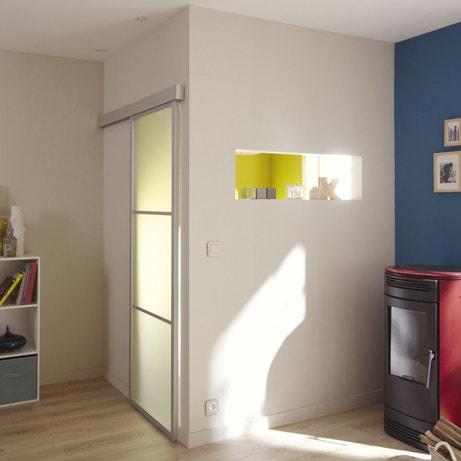 Une porte coulissante en applique Aspen en aluminium grise