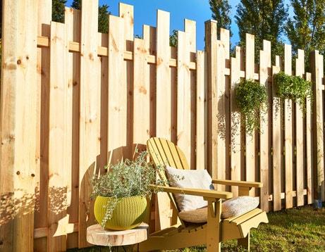 Des panneaux préassemblés pour clôturer en beauté