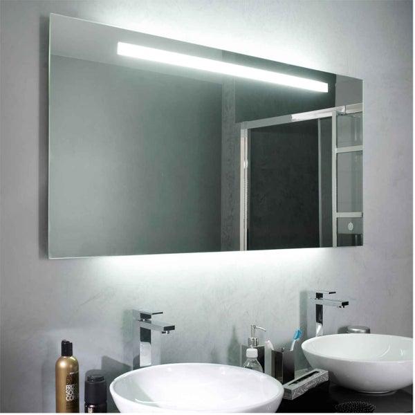 Tout savoir sur l 39 clairage dans la salle de bains leroy for Armoire de salle de bain avec miroir et lumiere