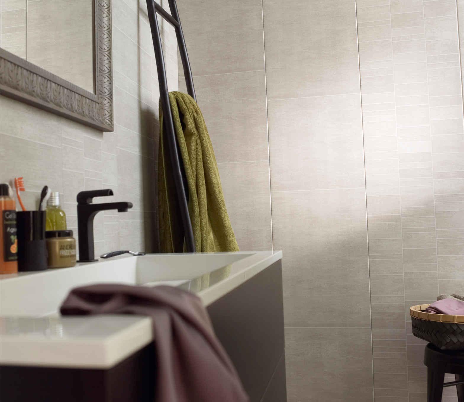 pose faux plafond salle de bain gallery of lambris pvc. Black Bedroom Furniture Sets. Home Design Ideas