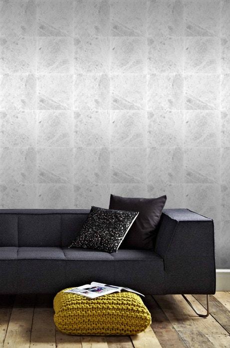 Donnez un style chic avec ce papier peint effet marbre gris