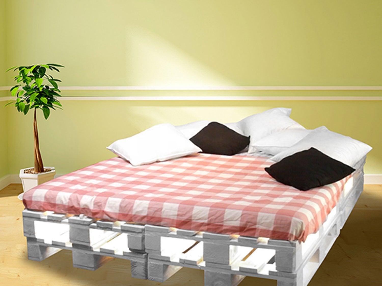 diy construire un lit avec des palettes leroy merlin. Black Bedroom Furniture Sets. Home Design Ideas
