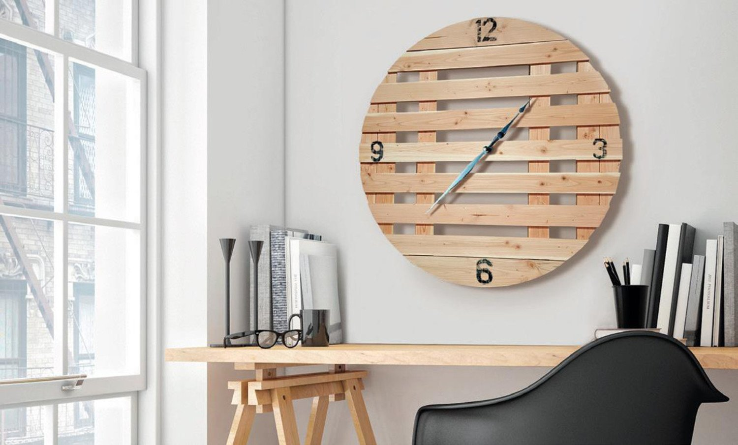 une palette d tourn e en horloge leroy merlin. Black Bedroom Furniture Sets. Home Design Ideas