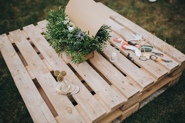 Une palette détournée en table basse de jardin | Leroy Merlin
