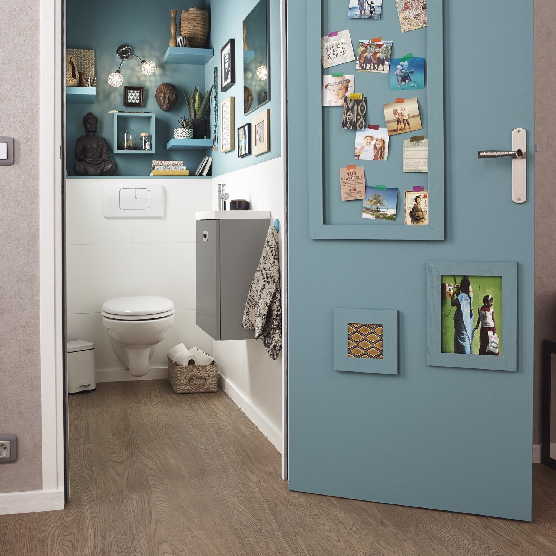 un coin wc avec un lave mains en r sine gris leroy merlin. Black Bedroom Furniture Sets. Home Design Ideas