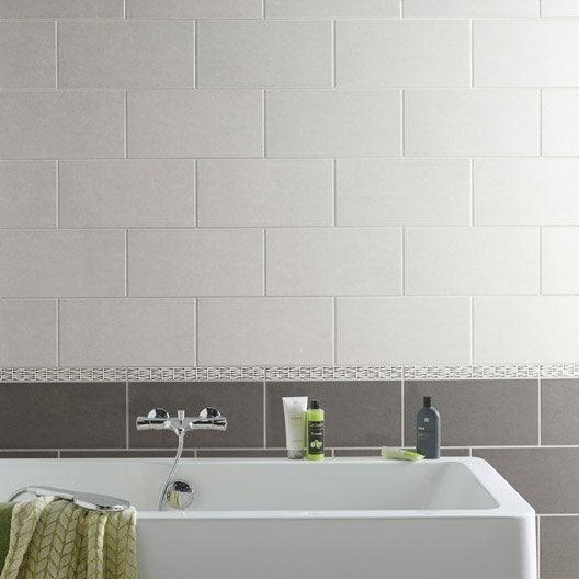 carrelage mural et faïence pour salle de bains et crédence de ... - Faience Grise Salle De Bain