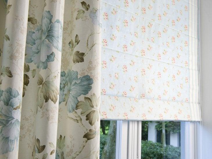 Choisissez le textile de vos stores adapté à vos rideaux pour un intérieur charme.