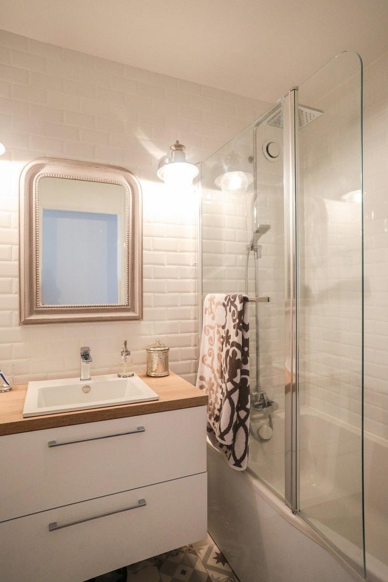 une baignoire romantique dans une salle de bains moderne leroy merlin. Black Bedroom Furniture Sets. Home Design Ideas