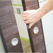 Comment poser une porte coulissante à galandage ?