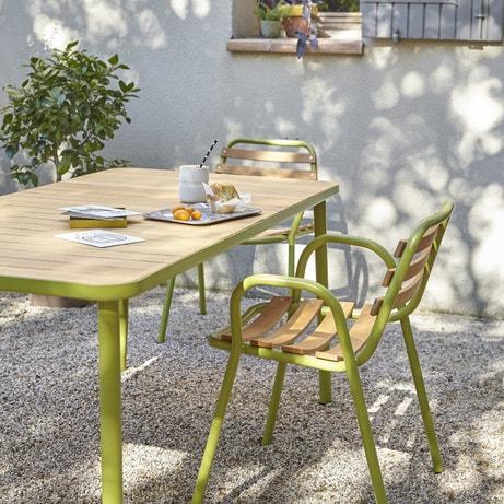 Une table de jardin en aluminium pour un entretien facile