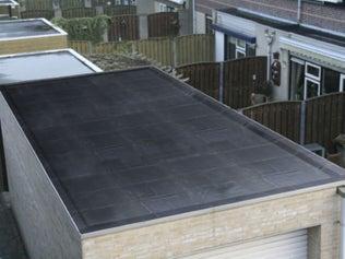 Étancher un toit plat