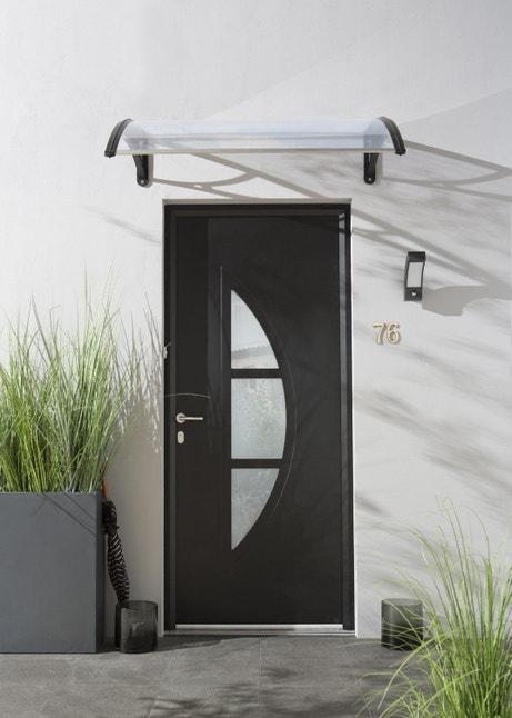 Une porte d'entrée noire contemporaine