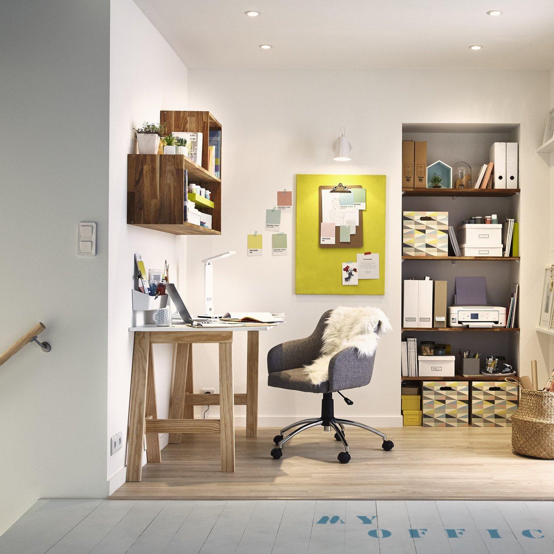 un bureau optimis sur le palier leroy merlin. Black Bedroom Furniture Sets. Home Design Ideas