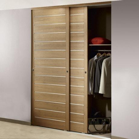 Une porte de placard coulissante pour dressing