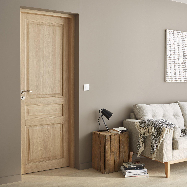 une porte int rieure classique et tendance leroy merlin. Black Bedroom Furniture Sets. Home Design Ideas