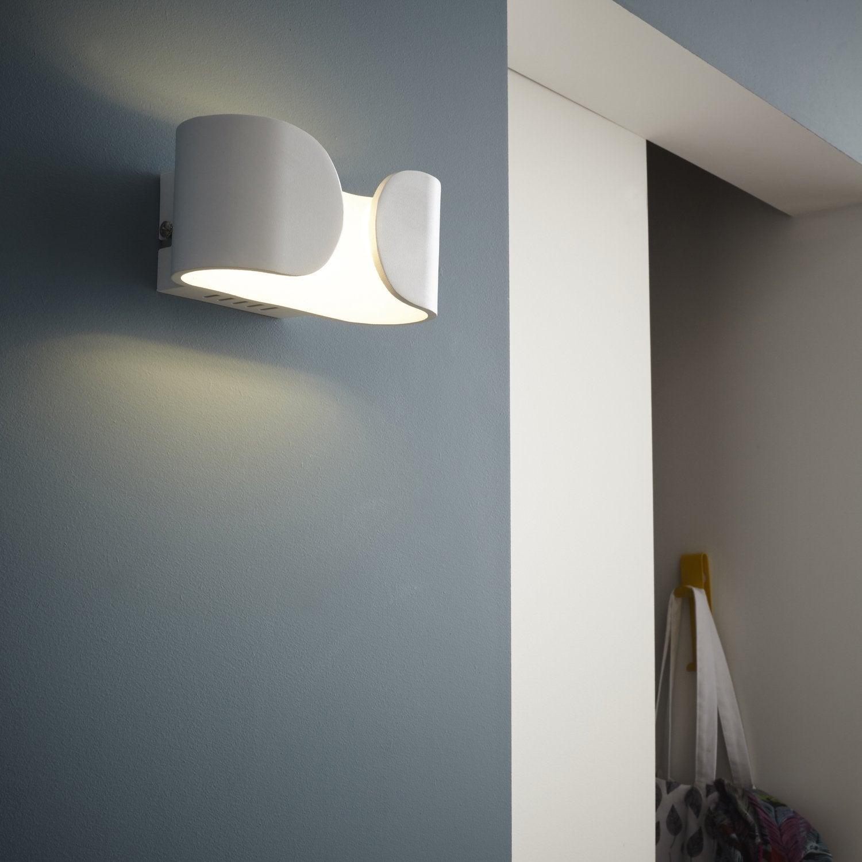 une applique tout en rondeur et verre d poli leroy merlin. Black Bedroom Furniture Sets. Home Design Ideas