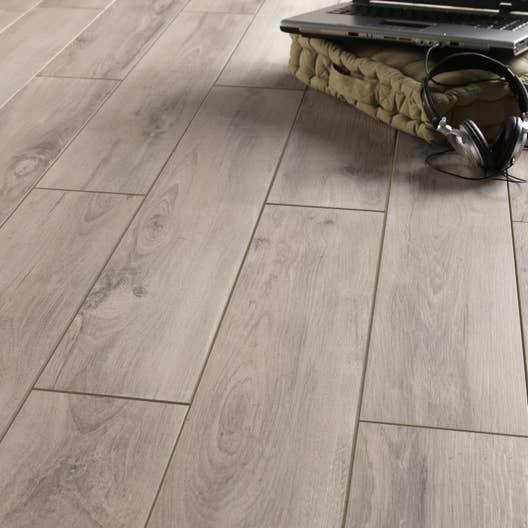 Carrelage sol et mur gris clair effet bois havana x cm leroy merlin - Carrelage gris avec joint noir ...