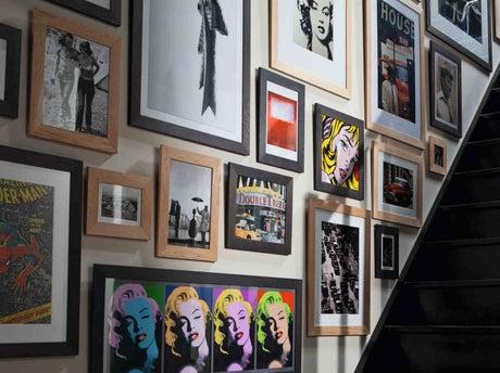 tout savoir pour concevoir un mur de cadres leroy merlin. Black Bedroom Furniture Sets. Home Design Ideas