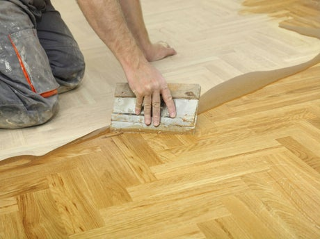 Comment r nover un parquet leroy merlin for Poncer un parquet chene