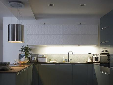 Spots encastrés sous les meubles de cuisine
