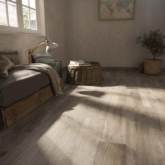 Carrelage sol et mur grege effet bois elbe x cm leroy merlin - Carrelage en salon grege ...