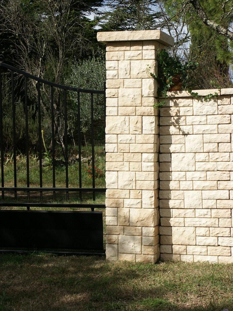 Un muret en pierre pour votre portail leroy merlin - Pierre pour muret leroy merlin ...