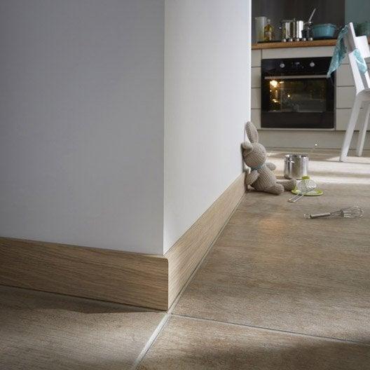 plinthe placage ch ne sans noeud carr e 10 x 70 mm l 2 2 m leroy merlin. Black Bedroom Furniture Sets. Home Design Ideas