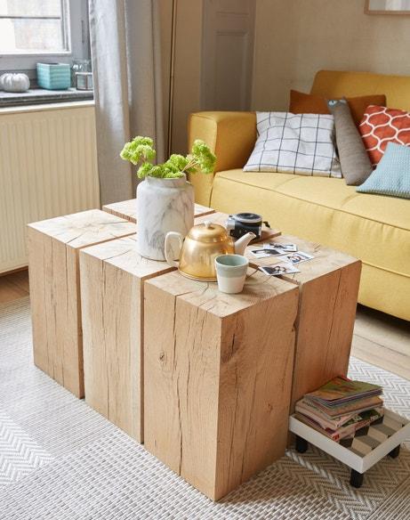 Des cubes en chêne rassemblés pour former une table basse