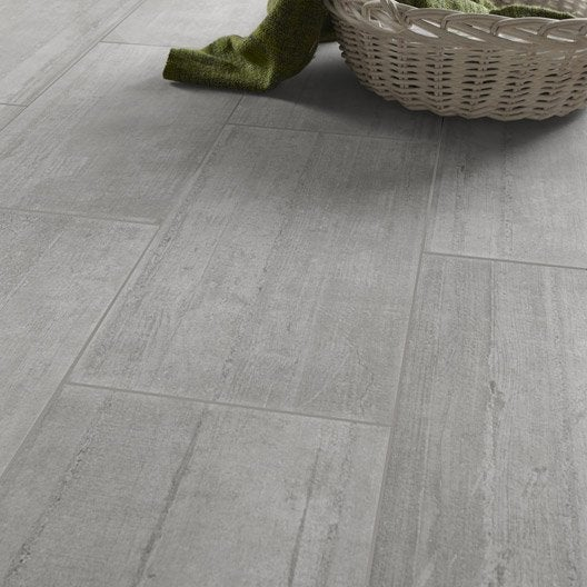 Carrelage sol et mur gris clair effet b ton industry for Carrelage rectangle