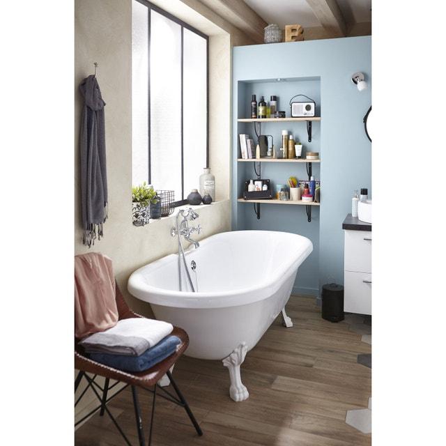 Une salle de bains vintage et chic avec sa baignoire sur pied ...