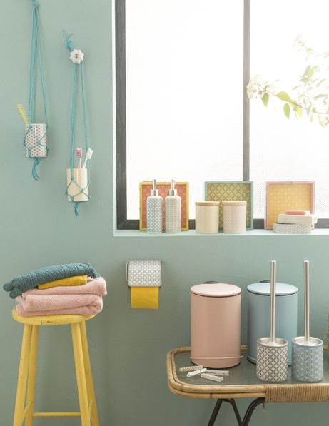 Tendance colorée pour votre salle de bains
