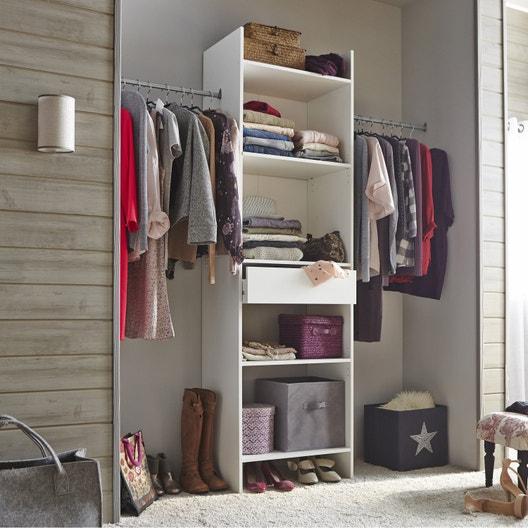 pose d 39 am nagement de placard classique 3 l ments. Black Bedroom Furniture Sets. Home Design Ideas