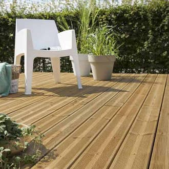Peinture lasure et traitement ext rieur pour bois m taux - Peinture pour terrasse bois ...