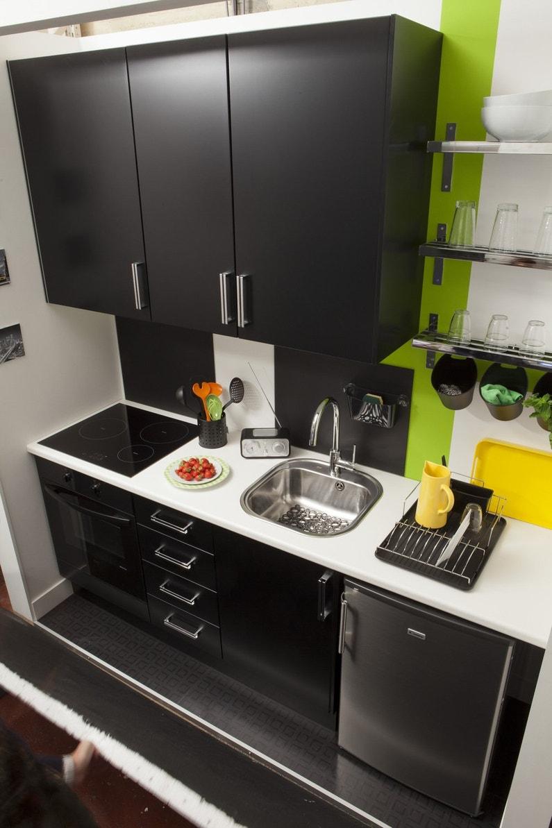 une cuisine noire et dynamique leroy merlin. Black Bedroom Furniture Sets. Home Design Ideas