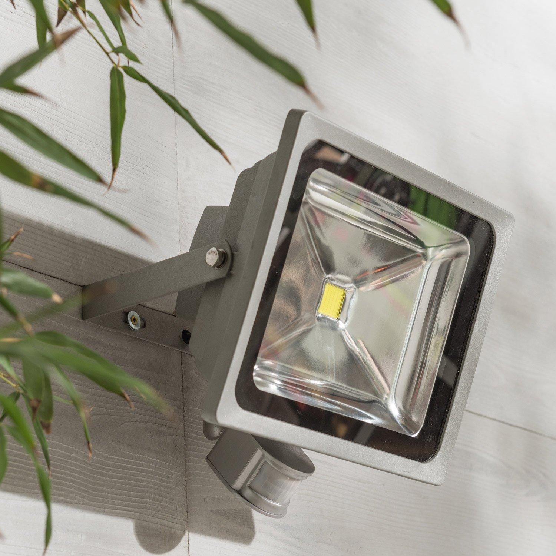 projecteur fixer d tection ext rieur led int gr e 50w. Black Bedroom Furniture Sets. Home Design Ideas