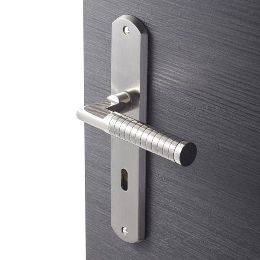 comment changer une poign e de porte d 39 int rieur leroy merlin. Black Bedroom Furniture Sets. Home Design Ideas