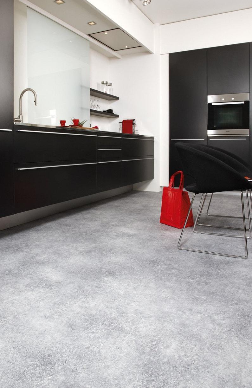du sol vinyl effet b ton pour une cuisine design leroy merlin. Black Bedroom Furniture Sets. Home Design Ideas