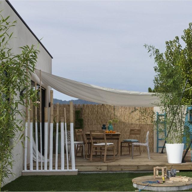 Une terrasse en bois avec ilot en bois autour leroy merlin for Paillon d ombrage