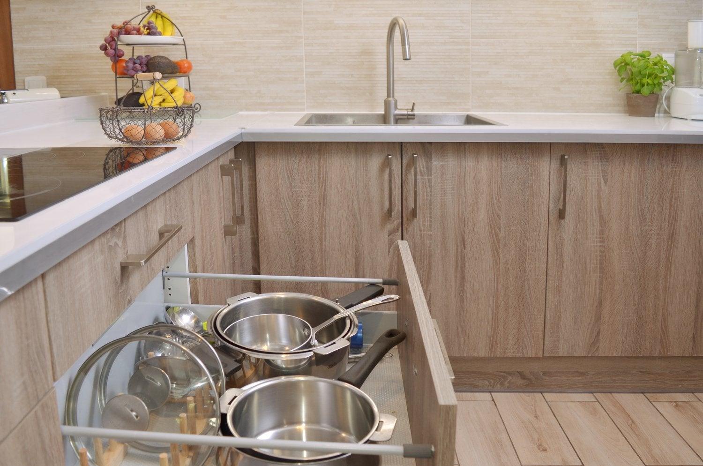un rangement astucieux dans une cuisine fonctionnelle | leroy merlin