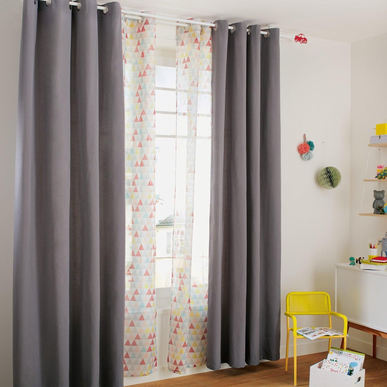 Des rideaux pour une chambre d\'enfant aux couleurs pétillantes ...